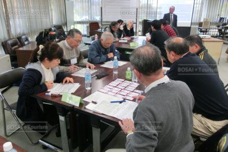 仙台防災リーダー養成講座で避難所立ち上げをイメージトレーニング
