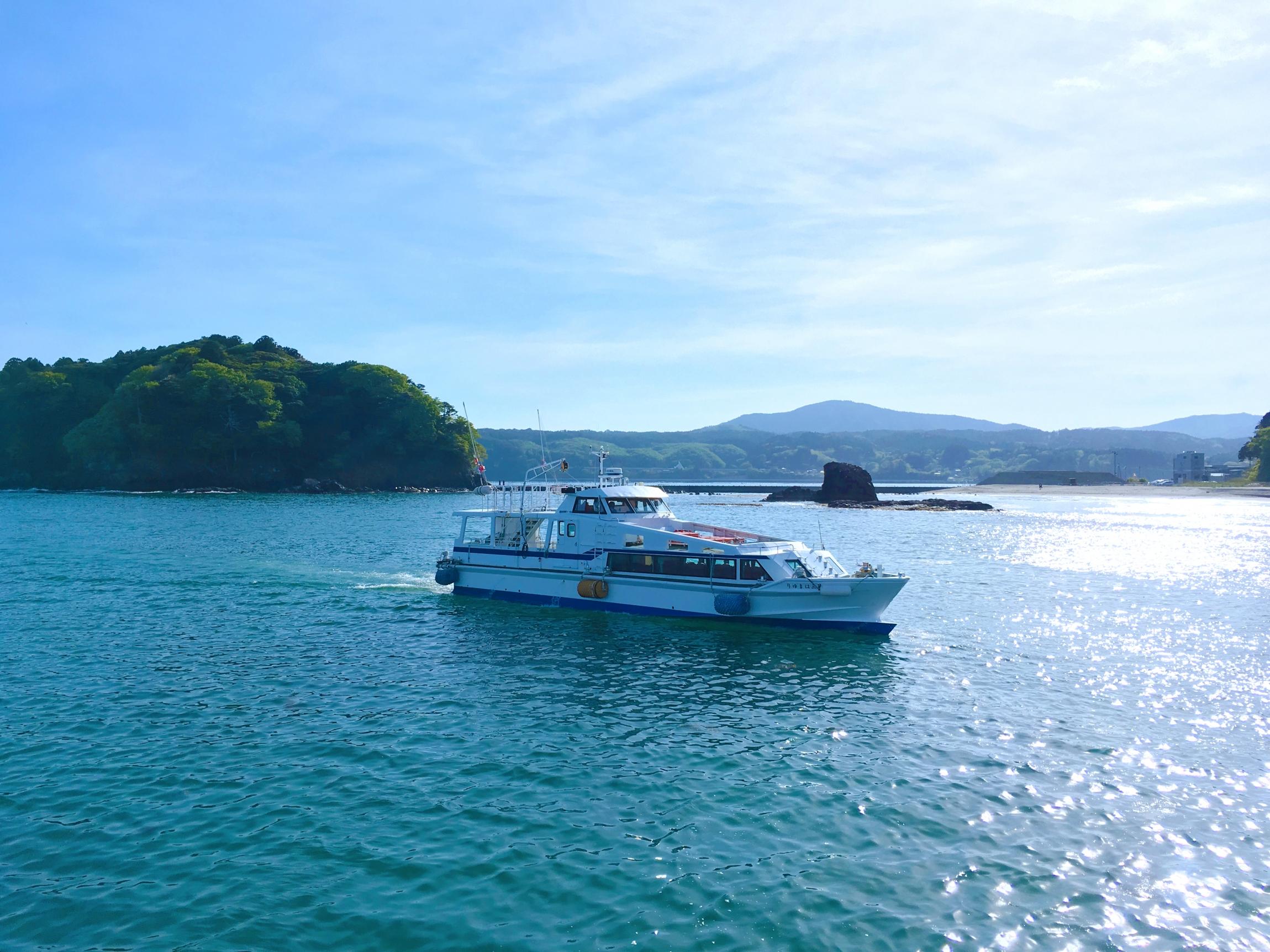 Shizugawa-Bay-Cruising